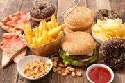 أدلة جديدة تربط الأطعمة فائقة المعالجة بمجموعة من المخاطر الصحية.