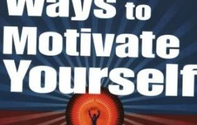 Reading in a book : 100 Ways to Motivate Yourself Revised Edition Change Your Life Forever