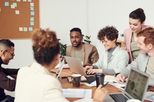 ما هو تنوع القوى العاملة؟
